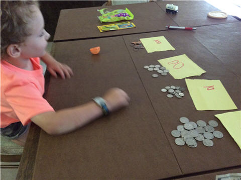 counting money from the easter bunny3